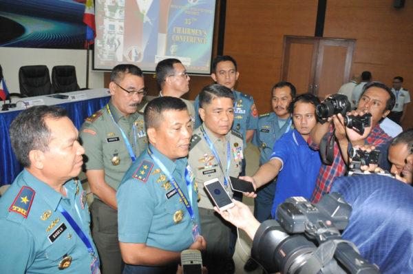26-pangarmatim-tandatangani-kesepakatan-perbatasan-indo-filipina-2