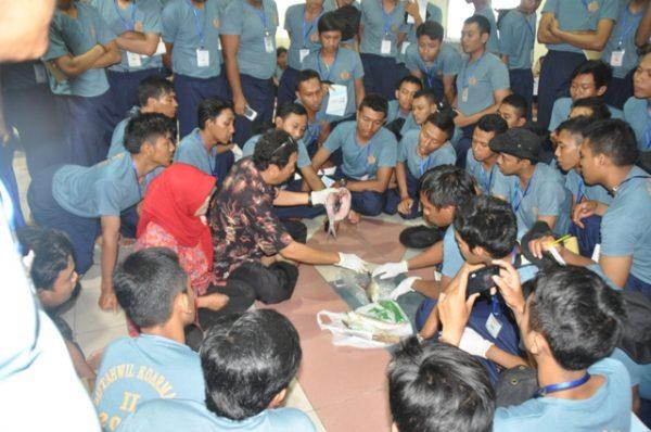 27-peserta-bintahwil-terima-pembekalan-ketrampilan-pengolahan-hasil-perikanan-dan-peternakan-3