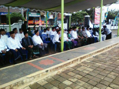 batituud-koramil-13majenang-hadiri-upacara-hari-santri-nasional-th-2016-1