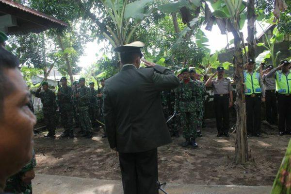 pemakaman-letkol-inf-purnawirawan-drs-sukardi-dilaksanakan-secara-militer-3