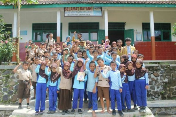 tmmd-reg-97-materi-bela-negara-serta-4-pilar-kebangsaan-bagi-siswa-siswi-sdn-01-dan-02-desa-mekarsari-3
