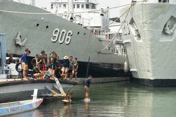 02-komandan-satban-koarmatim-tinjau-latihan-sea-survival-2