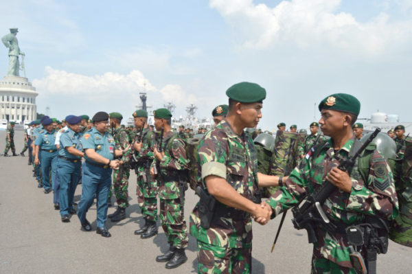 10-yonif-pr-502-kostrad-siap-menjaga-perbatasan-ri-malaysia-7