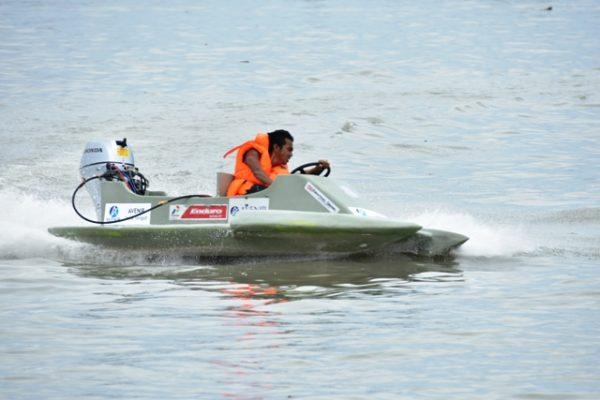 17-pangarmatim-melepas-final-power-boat-race-1