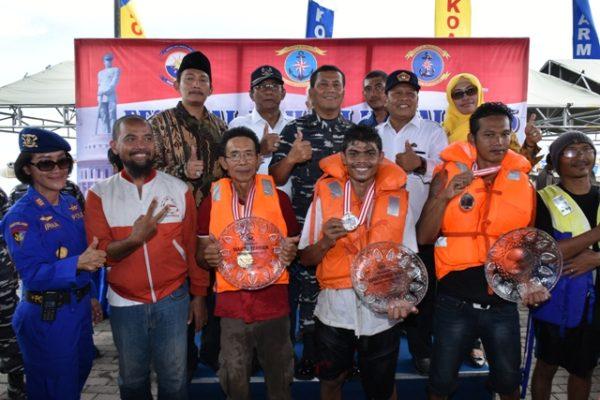 17-pangarmatim-melepas-final-power-boat-race-5