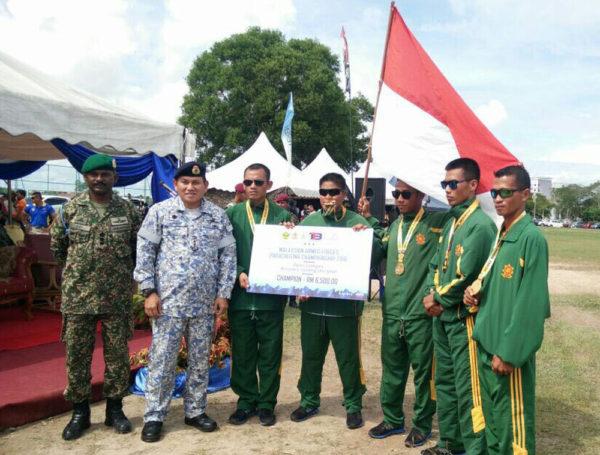 3-kostrad-ikuti-kejuaraan-terjun-payung-di-malaysia-1