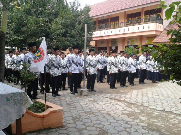 3-personel-kodim-0829-bangkalan-ikuti-upacara-hari-guru-nasional-2