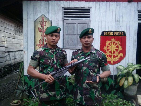 41-satgas-yonarmed-12-kostrad-mengamankan-senjata-ilegal-2