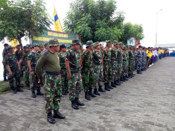 5-personel-kamal-bangkalan-hadiri-apel-bersih-bersih-pantai-kamal-a