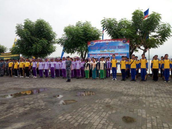 5-personel-kamal-bangkalan-hadiri-apel-bersih-bersih-pantai-kamal-e