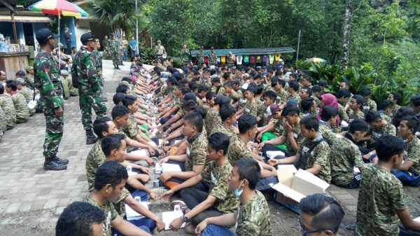 66-yonzipur-10-kostrad-latih-team-building-telkom-group-1
