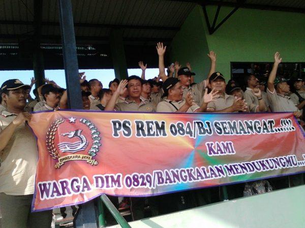 8-anggota-kodim-bangkalan-suporter-ps-korem-084-vs-ps-512-1