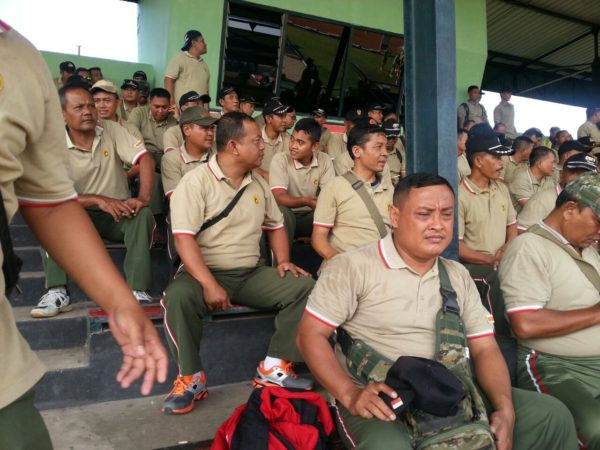 8-anggota-kodim-bangkalan-suporter-ps-korem-084-vs-ps-512-3