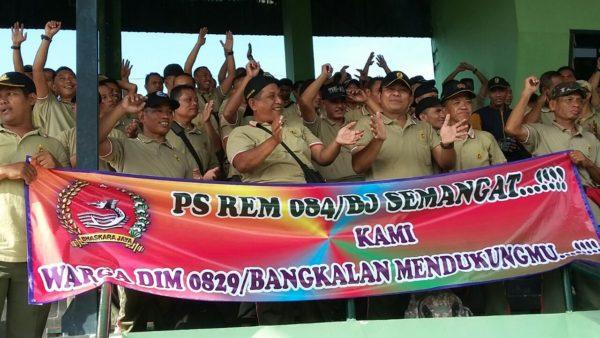 8-anggota-kodim-bangkalan-suporter-ps-korem-084-vs-ps-512-4