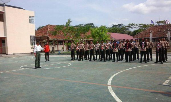 babinsa-koramil-09kawunganten-bina-pramuka-2