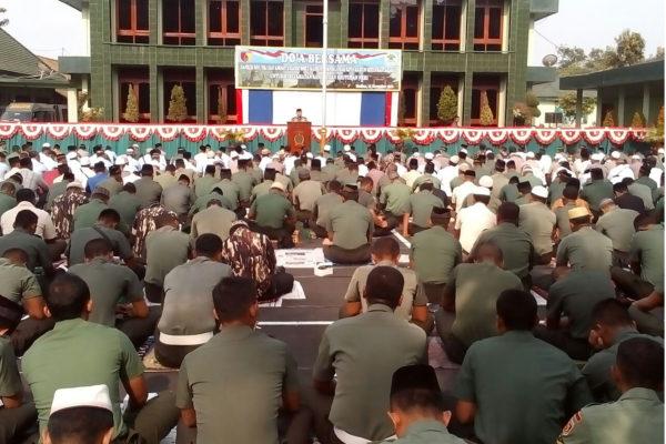 doa-bersama-di-makorem-1