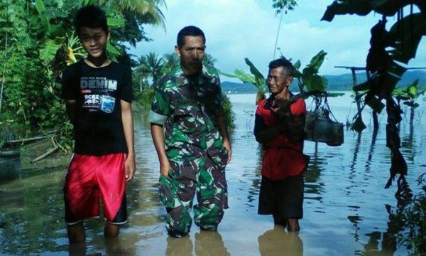 hujan-deras-akibatkan-bencal-banjir-di-wilayah-koramil-1