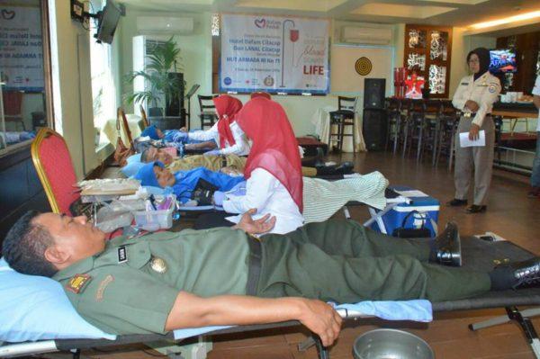 peringatan-hut-ke-71-armada-ri-kodim-cilacap-ikuti-donor-darah-2