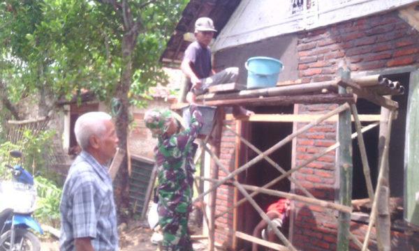 peranan-koramil-081415-sebagai-satuan-territorial-dalam-membantu-kesulitan-rakyat-2