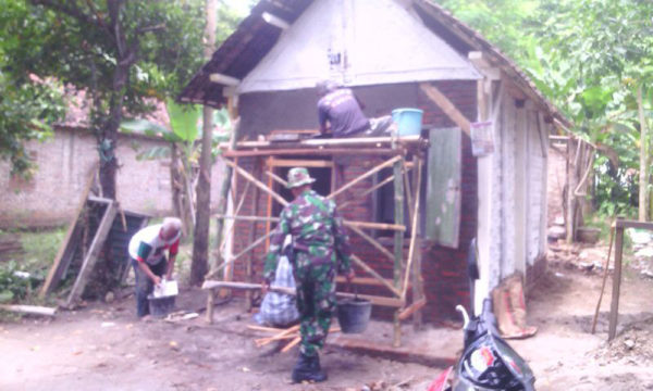 peranan-koramil-081415-sebagai-satuan-territorial-dalam-membantu-kesulitan-rakyat-7