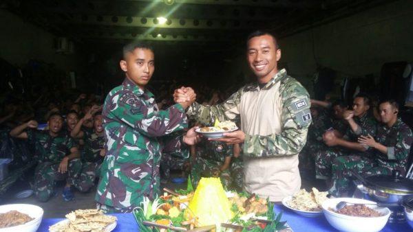 04-pasukan-upacara-koarmatim-adakan-syukuran