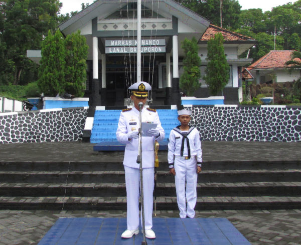 051216-bpo-hut-armada-2