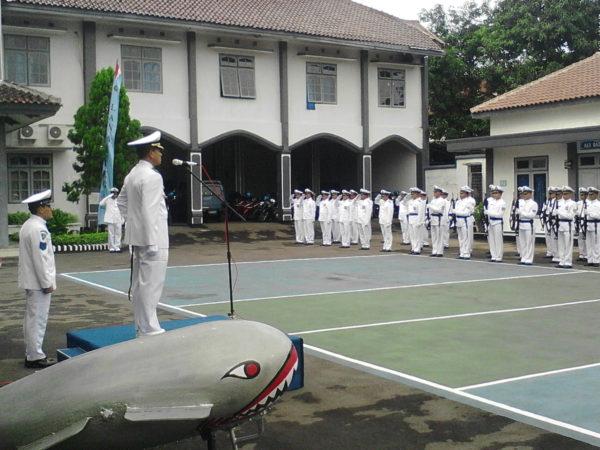 051216-tgl-hut-armada-1