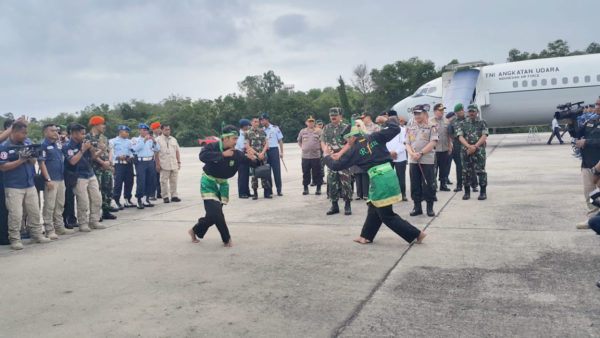 Panglima TNI & Kapolri Tiba di Pekanbaru