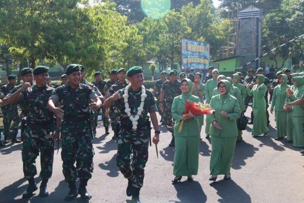 Kunjungan Kerja Pangdivif 2 Kostrad di Markas Yonif Raider 509 Kostrad