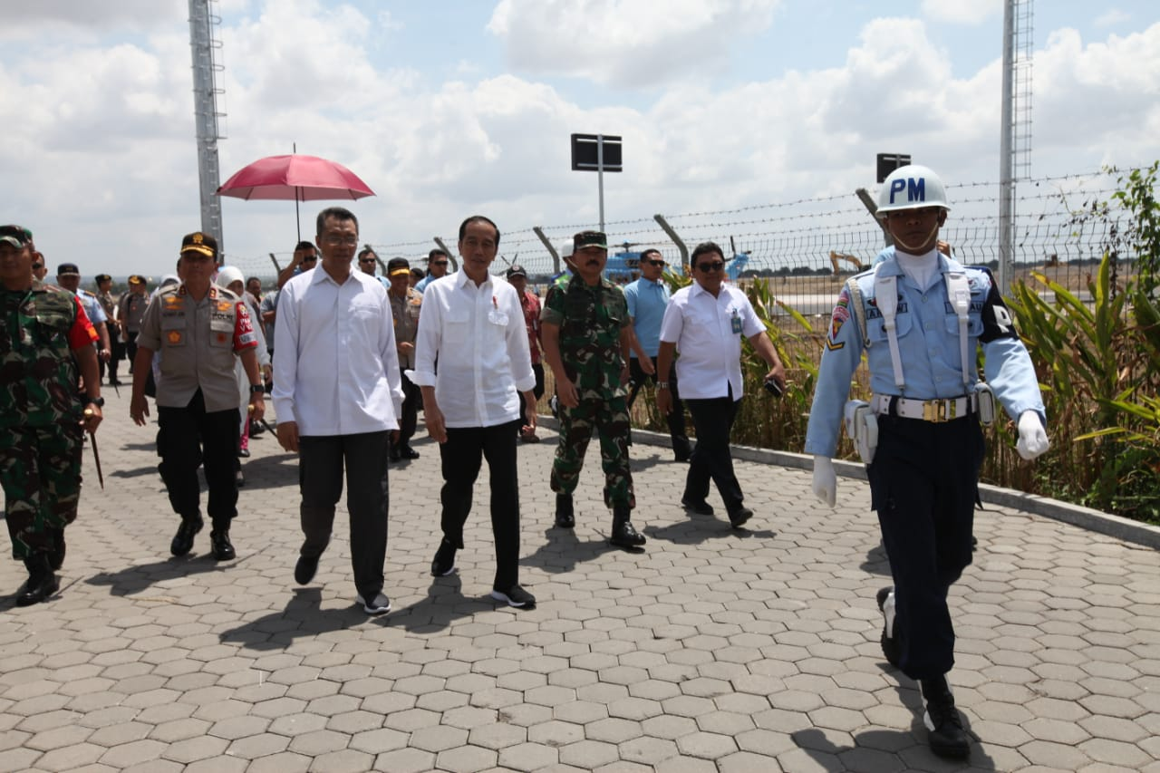 Panglima TNI Sambut Presiden RI Jokowi di Bandara Lombok
