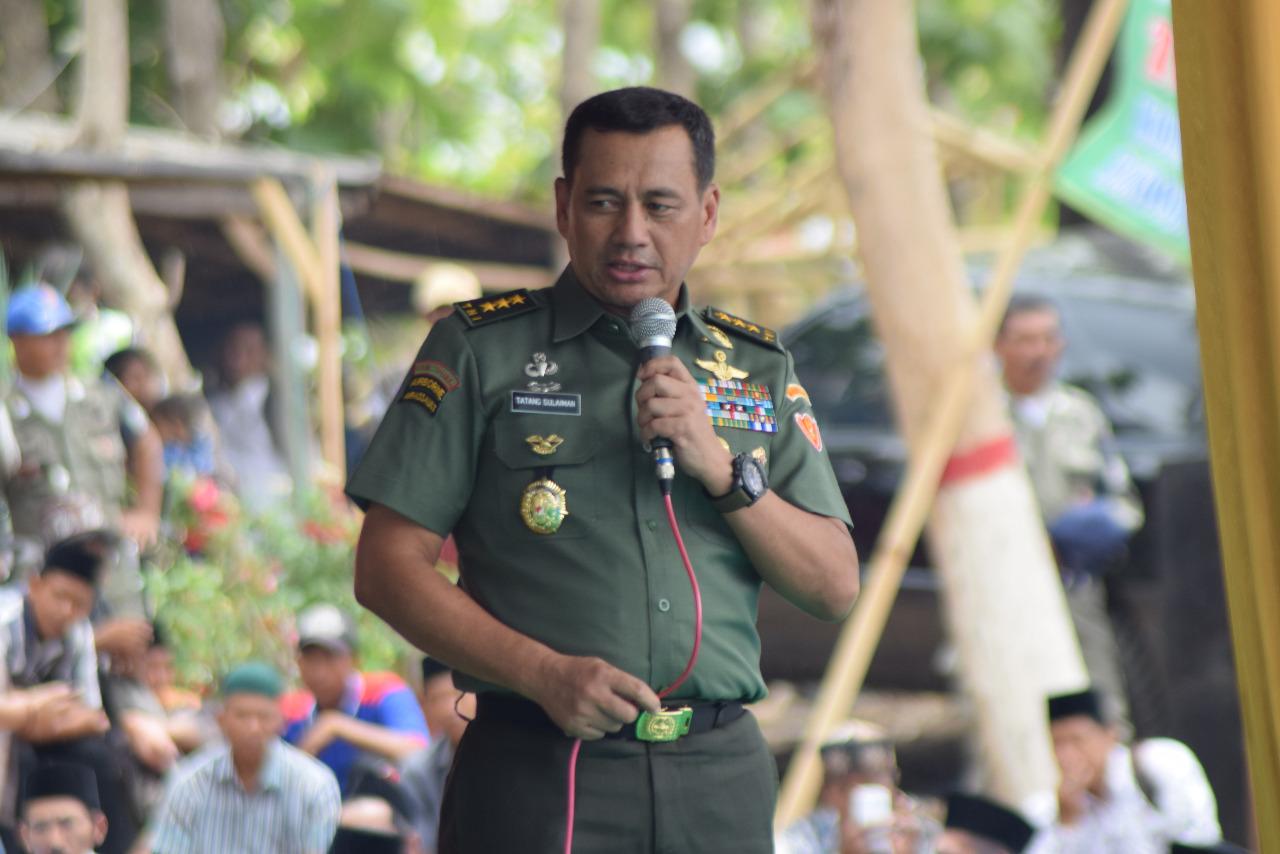 Wakasad Letjen TNI Tatang Sulaiman Tutup TMMD ke-103 di Bondowoso
