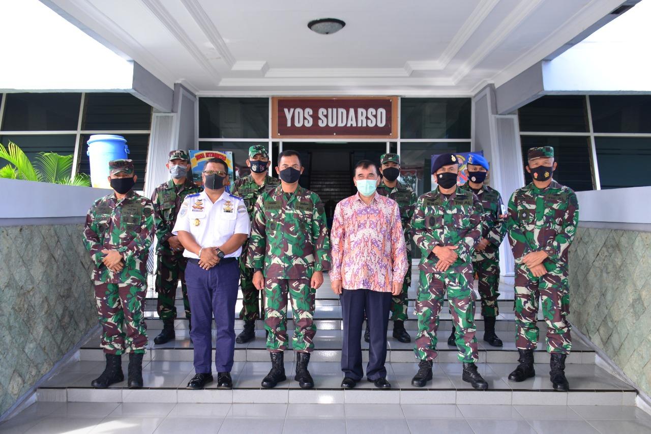 Komandan Lantamal V Terima Kunjungan Kerja Kepala Syahbandar Tanjung Perak Surabaya
